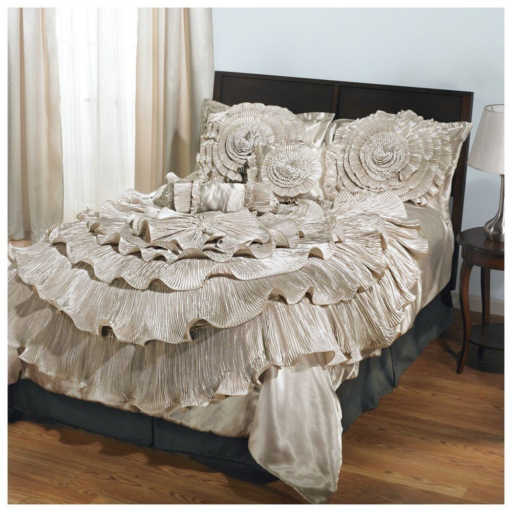 Image of: Selection Romantic Bedding Set Gridthefestival Home Romantic Interior French Country Bedding Sets