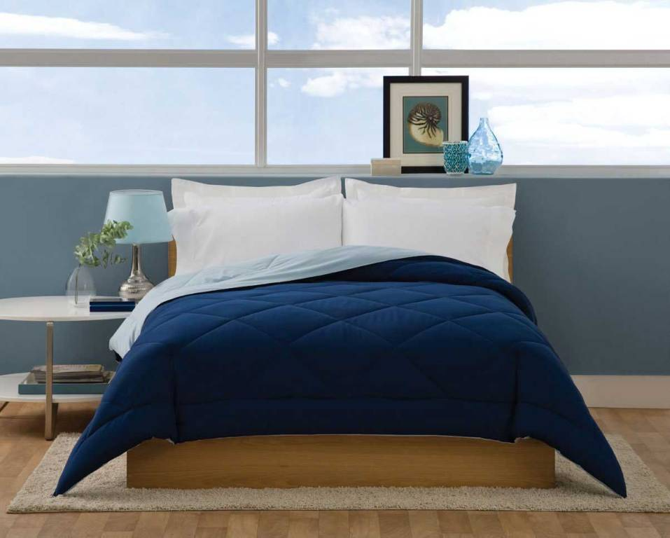 Image of: Solid Navy Blue Twin Quilt