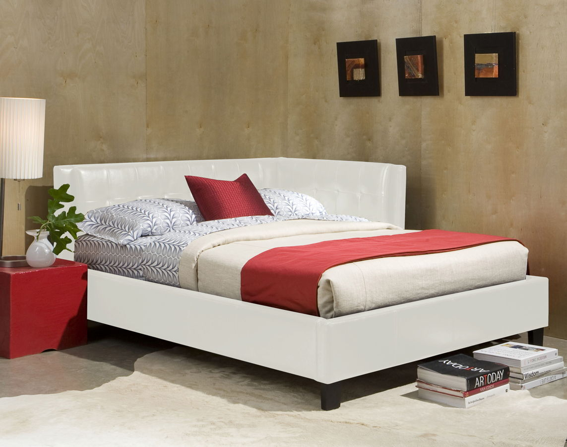 Image of: White Twin Beds With Storage