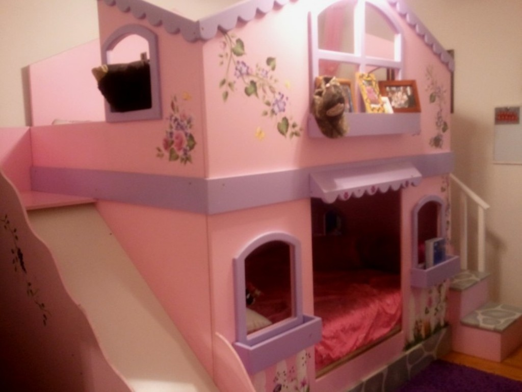 Image of: Princess Bunk Beds With Slides