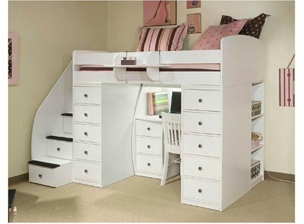 Image of: Bunk Bed With Desk Ideas