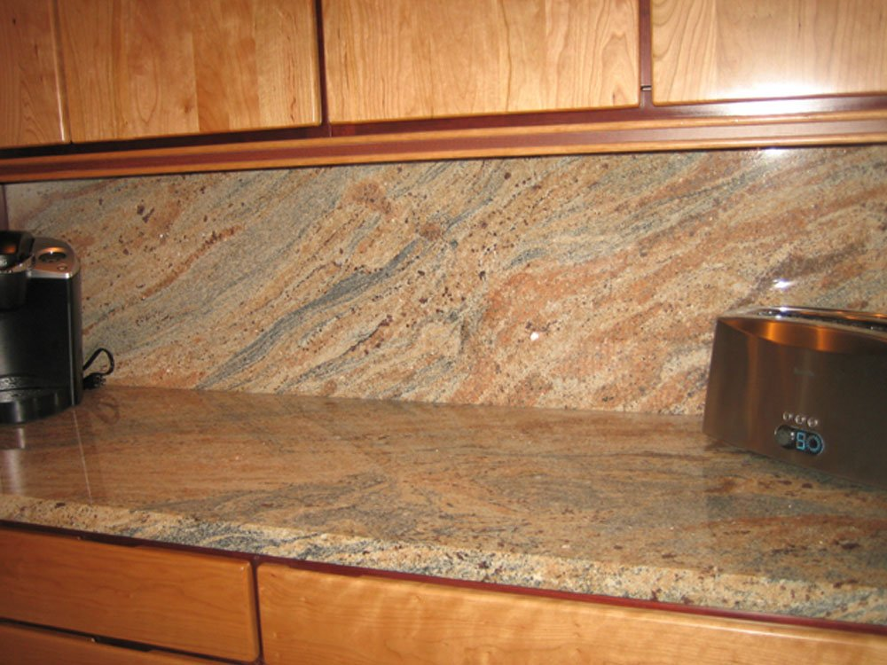 Image of: Backsplash Ideas For Busy Granite Countertops