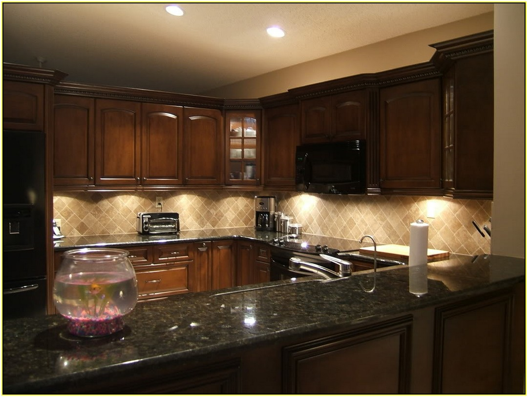 Image of: Backsplash Ideas For Dark Granite Countertops