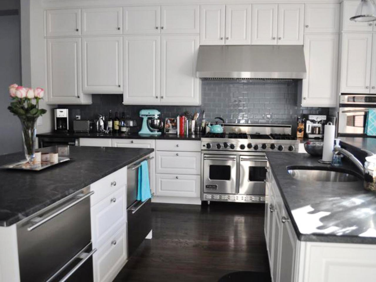 Image of: Black Marble Countertops For Kitchen