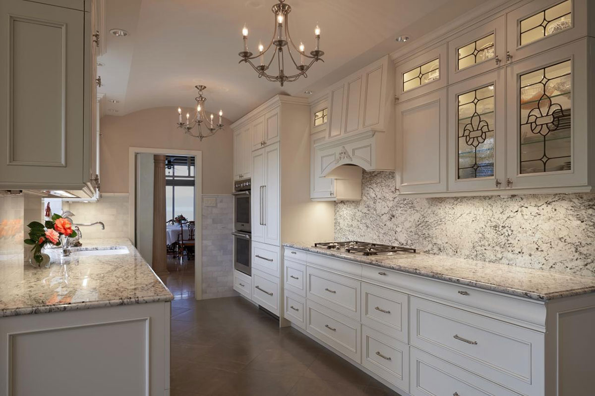 Image of: Granite Countertop With White Cabinets Pics