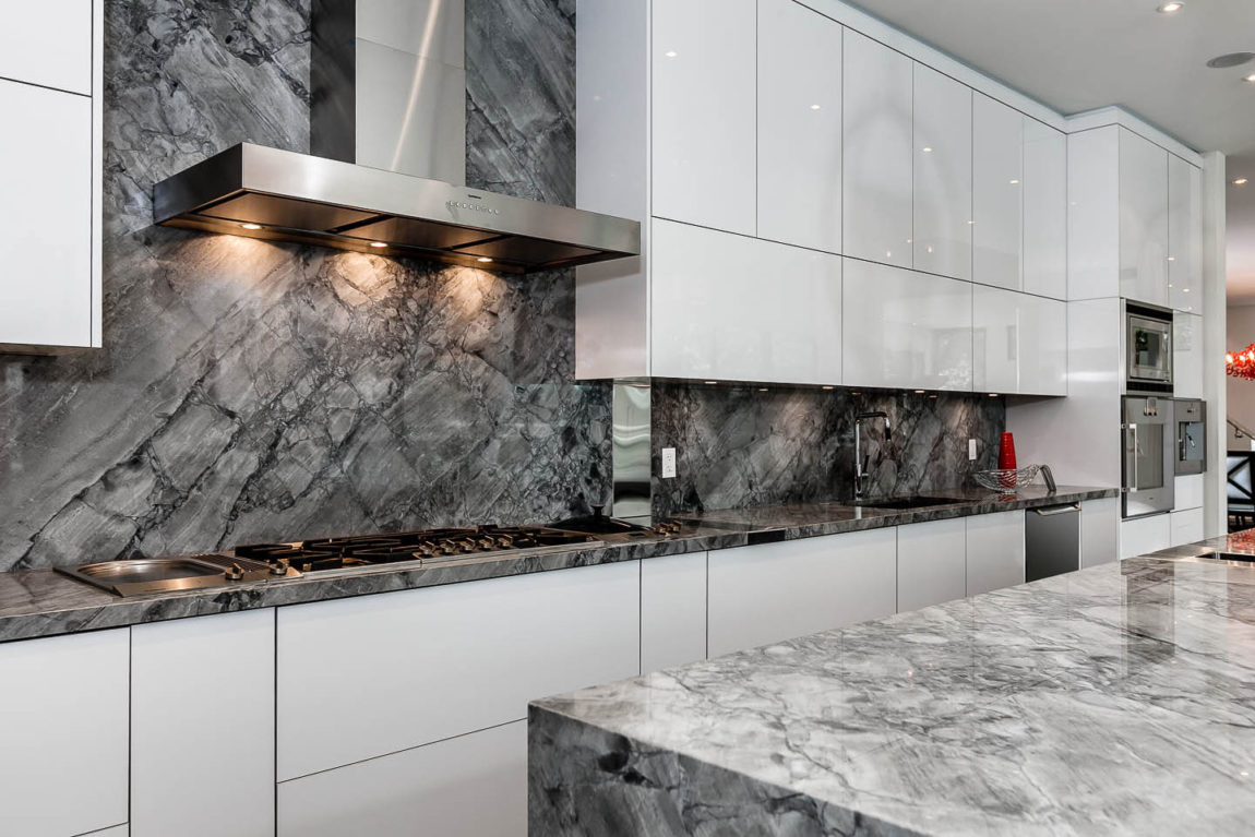 Image of: Gray Marble Countertops Kitchen With Veigns