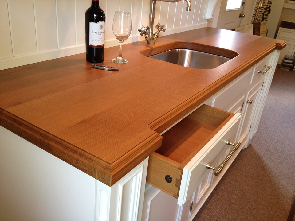 Image of: Images Of Granite Countertops With Oak