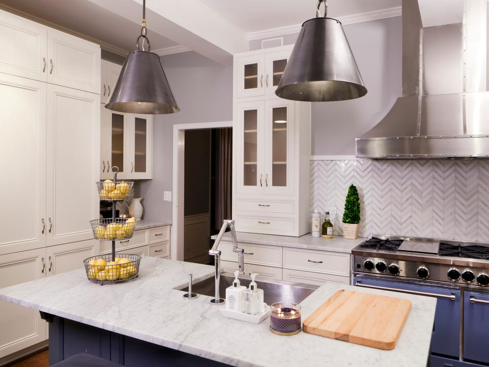 Image of: Kitchen With White Marble Countertops