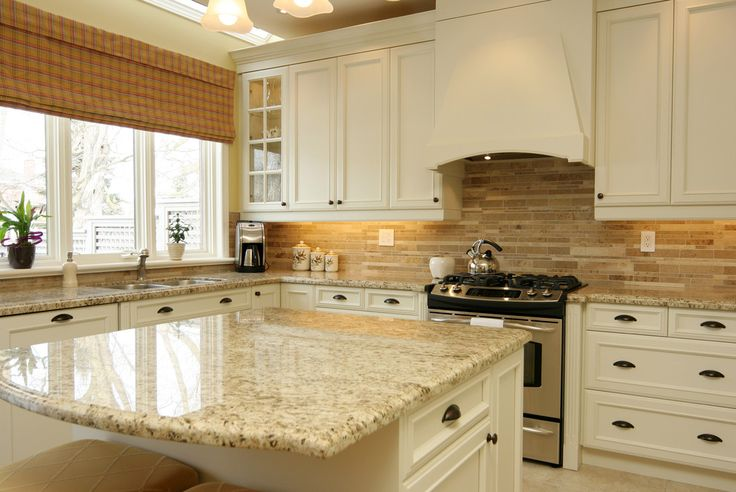 Image of: Light Granite Countertops With Cream Cabinets