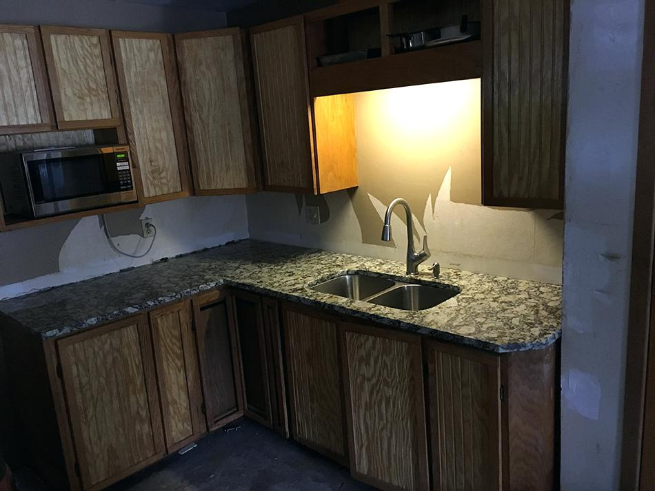 Image of: Marble Countertops Pros And Cons