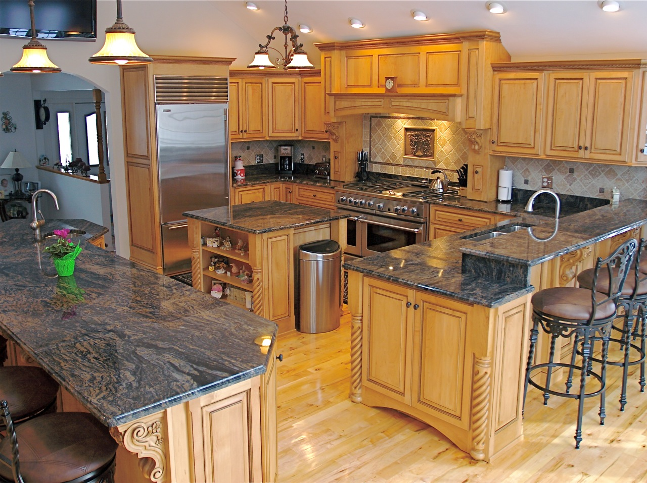 Image of: Pictures Of Granite Kitchen Countertops