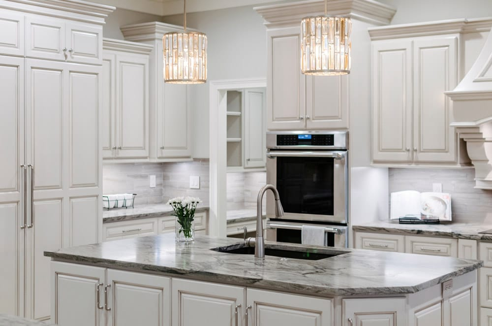 Image of: What Color Countertops Go With White Cabinets