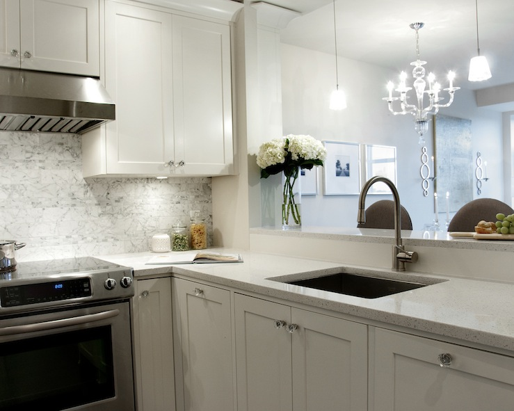 Image of: White Granite Countertops In Kitchen