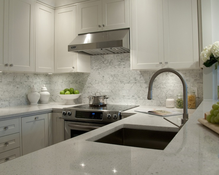 Image of: White Kitchen Cabinets With Granite Countertops Photos